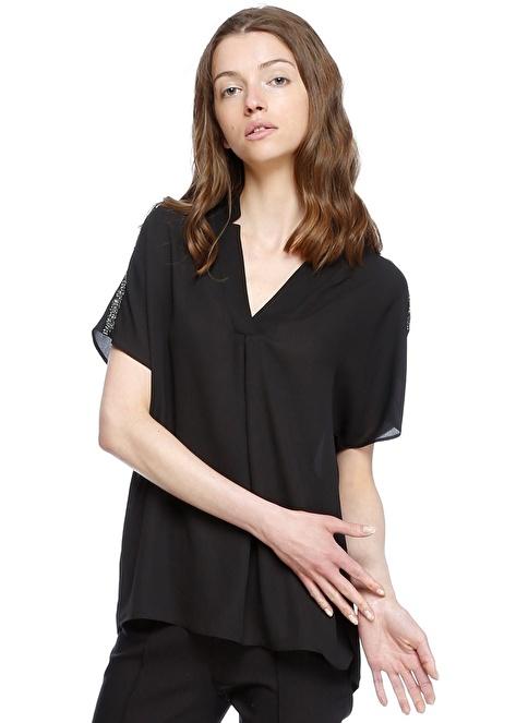 House Of Camellia V Yaka Yarım Kol Şifon Bluz Siyah